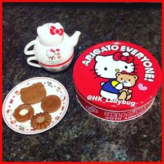 Cookie Tin, Ladybug, Hug, Japan, Cookies, Instagram Posts, Desserts, Crack Crackers, Tailgate Desserts