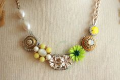 citrus kiss ladies necklace @sweetshoppejewelrystore.com #handmadevintagejewelry
