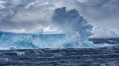 Iceberg floating off the coast of Antarctica (© Ray Hems/Getty Images) – 2018-02-05 [http://www.bing.com/search?q=Iceberg+(freshwater+ice)&form=hpcapt&filters=HpDate:%2220180205_0800%22]