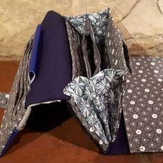 Compagnon Complice en bleu et gris à motifs cousu par Aline - Patron Sacôtin