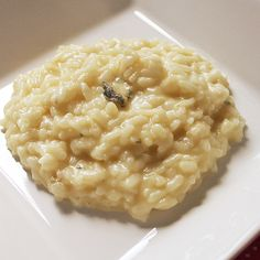 Risoto de gorgonzola Rice Recipes, Cooking Recipes, Healthy Recipes, Go Veggie, Paella, Good Food, Yummy Food, Salty Foods, Eating Fast
