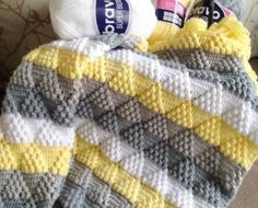 Crochet Toys - Woven / Moss Stitch / Stitch - Crochet Clothing and Accessories Crochet Stitches For Blankets, Knitted Baby Blankets, Afghan Crochet Patterns, Baby Knitting Patterns, Baby Blanket Crochet, Baby Patterns, Free Knitting, Chevron Baby Blankets, Knit Stitches