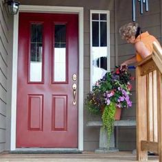 1. Consider the style of your home  Traditional homes often feature a front door painted in a rich deep color, such as black, navy blue, green or dark red. Contemporary homes often have bold colored doors, and a cottage or farmhouse style home may feature a front door in bright colors from nature.