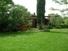 Villas And Apartments to Rent Budget Travel, Travel Tips, Italy Holidays, Lake Garda, Condo, Things To Do, Places To Visit, Villa, Live
