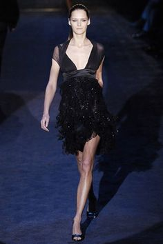 See the complete Gucci Fall 2005 Ready-to-Wear collection.