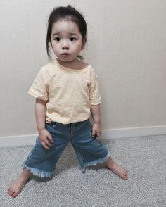 Cute Chinese Baby, Chinese Babies, Cute Asian Babies, Korean Babies, Little Girl Fashion, Kids Fashion, Cute Girls, Little Girls, Baby Dress Design
