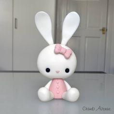 Kawaii Bunny tutorial by crumb avenue Polymer Clay Animals, Cute Polymer Clay, Cute Clay, Polymer Clay Projects, Polymer Clay Creations, Diy Clay, Fimo Kawaii, Kawaii Bunny, Bunny Bunny