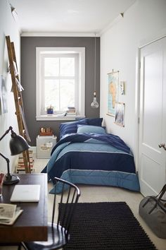 Rustic Bedroom Ideas - All the bedroom design ideas you'll ever before require. Discover your style as well as develop your desire bedroom system whatever your budget, design or room dimension. Small Master Bedroom, Cozy Bedroom, Room Decor Bedroom, Modern Bedroom, Bedroom Ideas, Teen Bedroom, Young Mans Bedroom, Bedroom Furniture, Bedroom Curtains