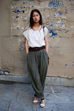 Resultado de imagen para christophe lemaire and sarah linh-tran Fashion Mode, Fashion Pants, Look Fashion, Fashion Outfits, Geisha Samurai, Inspiration Mode, Looks Style, Mode Style, Look Cool
