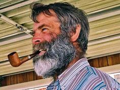 Pipe Smokers and Handsome Men: Photo Men's Haircuts, Haircuts For Men, Beard Pictures, Men Portrait, Grey Beards, Beard Model, Pipe Smoking, Daddy Bear, Reference Images
