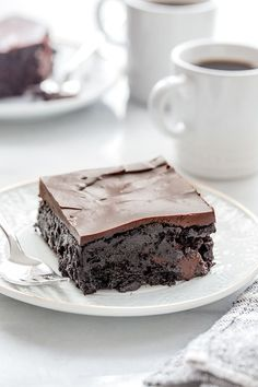 Chocolate Zucchini Cake is rich, ultra-moist and the perfect cake for the chocolate lover in your life. #cake #chocolate
