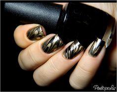 Marble Preta e Dourada by Penélope Luz, via Flickr
