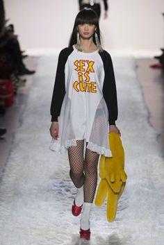 Jeremy Scott Autumn/Winter 2017 Ready to Wear Collection | British Vogue
