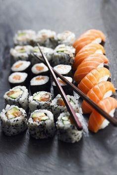 Salmon sushi/nigiri