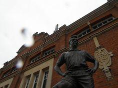 Johnny Haynes -Fulham FC Fulham Fc, Football, Soccer, American Football, Soccer Ball, Futbol