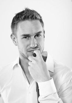 Jeff Carter.. Who says hockey players aren't good looking?!