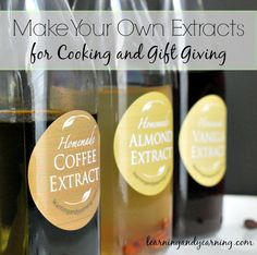 Pure extracts can be pricey, but you can easily make them at home for a lot less. Package them in attractive jars, and you have a unique item for gift giving. No Bake Sugar Cookies, Vanilla Cookies, Homemade Spices, Homemade Gifts, Homemade Seasonings, Homemade Food, Jar Gifts, Food Gifts, Handmade Teacher Gifts