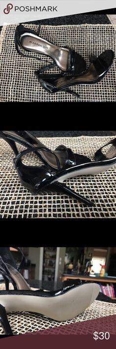 Black heels madden girl Black classic mid height heels. Never worn. Classic in design . Timeless. Steve Madden Shoes Heels