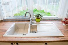Proiect bucatarie Dumbravita | Kuxa Studio, expert in mobila de bucatarie - 5239 Sink, Studio, Home Decor, Sink Tops, Vessel Sink, Decoration Home, Room Decor, Sinks, Studios
