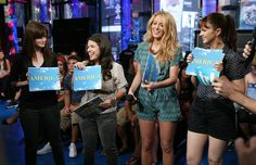 """Blake Lively Photos Photos - (U.S. TABS OUT) Actress Blake Lively appears onstage during MTV's Total Request Live at the MTV Times Square Studios August 4, 2008 in New York City. - MTV TRL Presents The Cast Of """"The Sisterhood Of The Traveling Pants 2"""""""