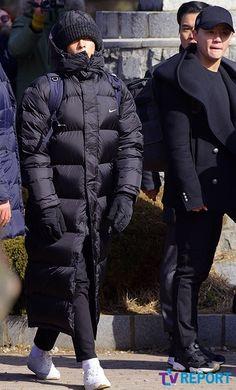 BIGBANGのT.O.P&JYJ ジュンス、入所式でキャッチされた姿が話題 - ENTERTAINMENT - 韓流・韓国芸能ニュースはKstyle