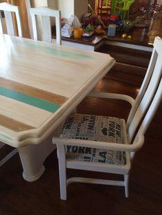 Sillon y mesa patina en madera y turquesa