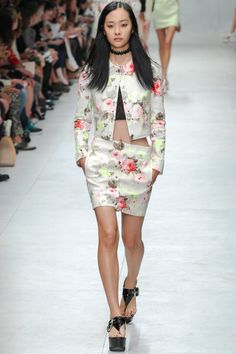 Carven Spring 2014 RTW - Review - Fashion Week - Runway, Fashion Shows and Collections - Vogue