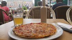 The food in Bruges is as expensive as the beer is good. Order a pizza to share for the cheapest meal. Best Beer, Bruges, Cheap Meals, Pizza, Food, Inexpensive Meals, Eten, Frugal Meals, Meals
