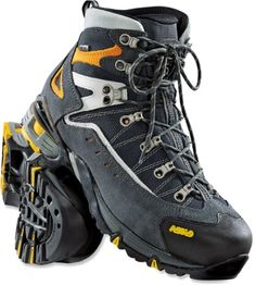These lightweight, three-season Asolo Flame GTX hiking boots offer support, shock absorption and grip so you can focus on the beautiful scenery and not on your feet.