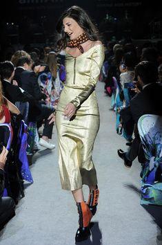 Giovanna Battaglia: The Ultimate Gold Collection FashionShow - Journal - I Want To Be A Battaglia