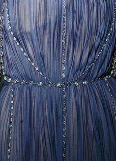 Dress for a Lothlorien elf - Alberta Ferretti