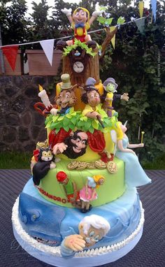 Pinocchio cake (Oh, the talent & the time it must've taken!)