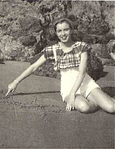 "rare marilyn monroe photo: marilyn monroe 6690.jpg. ""Saving Marilyn"" is only 99¢ at www.ChristysBooks.com"
