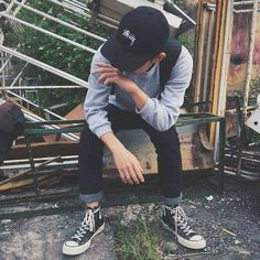 Ulzzang Girl Fashion, Ulzzang Boy, Photography Poses For Men, Tumblr Photography, Boy Poses, Male Poses, Grunge Boy, Foto Fashion, Aesthetic Boy
