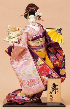 Japanese doll by Kougetsu ( doll shop ). Kimono beauty.