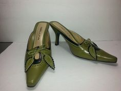 Bellini Toulon Shoes Green & Black Pointy Slip On Women's Leather Heels Vintage Chic Fashion, Bellini, Green Fashion, Leather Heels, Heeled Mules, Oxford Shoes, Slip On, Handbags, Store