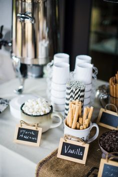 Hot Chocolate Bar for a Winter Wedding | Paige Alisa Photography