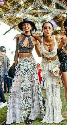 aee175c76b2 Boho hippie style for free women. Modern boho chic fashion becomes trending  fashion Gypsy Fashion
