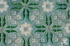 Pormenor dos azulejos da fachada da antiga Estação, Lagos
