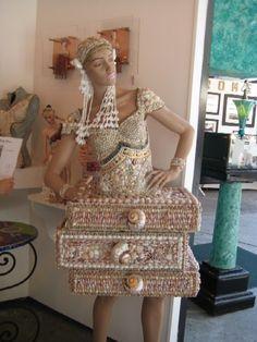 seashell mannequin WHOA!!