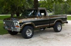 I absolutely adore this colour for this 1970 1979 Ford Truck, Ford Pickup Trucks, Ford 4x4, 4x4 Trucks, Cool Trucks, Antique Trucks, Vintage Trucks, Classic Ford Trucks, Trailers