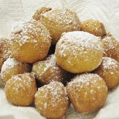 """Zeppole """"Delicious fried cookies made with ricotta cheese. These are also known as Italian doughnuts. Italian Donuts, Italian Pastries, Italian Cookies, Italian Desserts, Italian Dishes, Just Desserts, Italian Recipes, Delicious Desserts, Dessert Recipes"""
