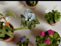 Dollshouse flowers and plants