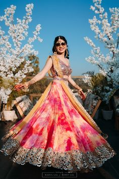 In this article, we are going to show some amazing light lehenga designs for bride & bridesmaid which will grab your audience's attention. Indian Gowns Dresses, Indian Fashion Dresses, Dress Indian Style, Indian Bridesmaid Dresses, Indian Fashion Trends, Wedding Bridesmaids, Fashion Outfits, Lehenga Choli Designs, Lehenga Choli Latest
