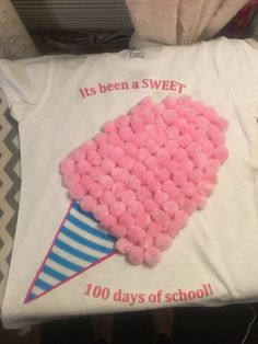 Easy 100 Days of School Shirt Ideas – Happiness is Homemade Easy 100 Days of School Shirt Ideas – Lykke er hjemmelaget 100 Day Project Ideas, 100 Day Shirt Ideas, 100 Day Of School Project, School Projects, School Ideas, 100 Day School Shirt, Kid Projects, Diy For Girls, Shirts For Girls