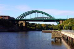 The Wearmouth Bridge in Sunderland © Steve Daniels Sunderland Afc, Sunderland England, Victorian Buildings, Arch Bridge, North East England, Fishing Villages, Historical Pictures, Walkways