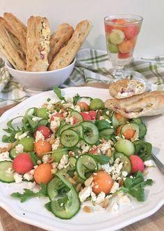 Melonensalat mit Rucola und Feta Healthy Salads, Healthy Recipes, Zucchini Puffer, Feta Salat, Cobb Salad, Potato Salad, Potatoes, Tasty, Meals