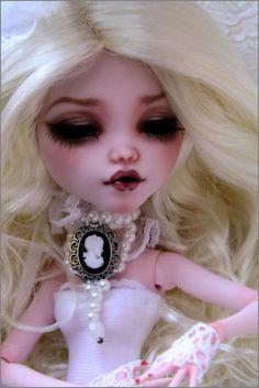 Monster High Draculara Repaint OOAK | eBay