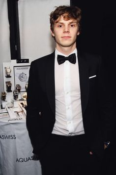 Evan Peters, can't wait for american horror story