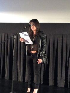 """La actriz Karina Jordán presenta al director de la película """"El lugar del hijo"""", Manuel Nietos, leyendonos una semblanza de su trayectoria. #festivalcinedelima"""
